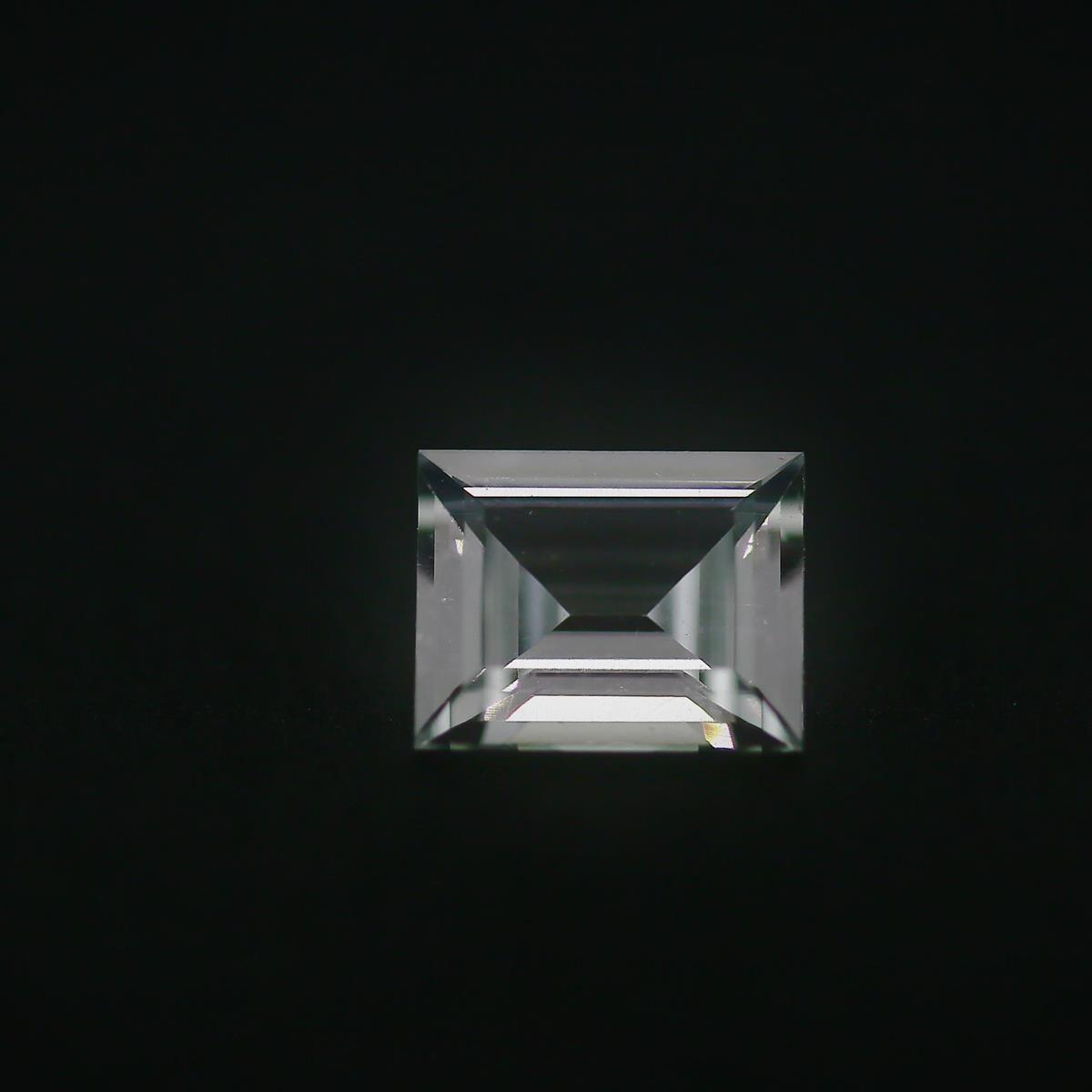 Synthetic White Spinel 10x8mm