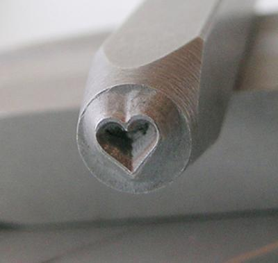 Stamp - Heart 2.5mm